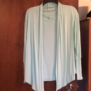 COPY - Short sleeve top with lightweight throw Sm…